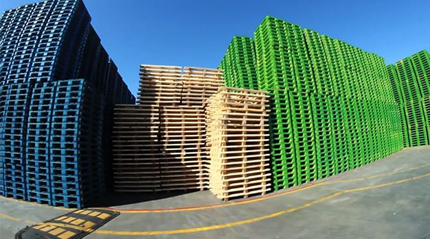 pallet in legno: servizi di verniciatura
